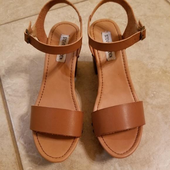 1e6ccd97b38 Steve Madden Lifted Cognac Heels
